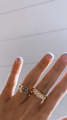 Hand Jewelry, Trendy Jewelry, Cute Jewelry, Jewelry Trends, Jewelry Accessories, Jewlery, Women's Jewelry, Gold Rings Jewelry, Trendy Accessories