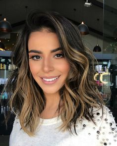36 Light Brown Hair Colors That Are Blowing Up in 2019 - Style My Hairs Ombre Hair Color, Hair Color Balayage, Brown Hair Colors, Hair Highlights, Haircolor, Auburn Balayage, Balayage Short Hair, Balayage Hair Brunette Medium, Color Highlights
