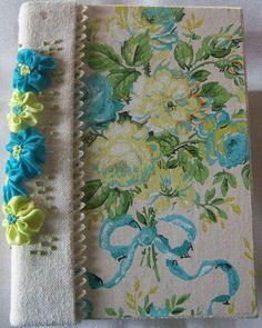 journal using wallpaper
