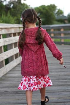 Knitting Patterns Free, Free Knitting, Baby Knitting, Knit Baby Sweaters, Girls Sweaters, Knitted Afghans, Knitted Bags, Dance Tops, Trending Today