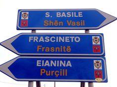 Frascineto (Cs) - Indicazioni stradali bilingue  #TuscanyAgriturismoGiratola