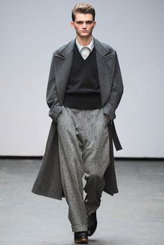 E. Tautz Fall 2015 Menswear Fashion Show