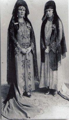 Queen Victoria Eugenia of Spain with daughter, Beatriz