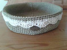 Kurv til lidt af hvert Ideen og design Mia. Sisal, Crochet Storage, Summer Nails, Dog Bowls, Decorative Bowls, Knit Crochet, Projects To Try, Beautiful, Knitting