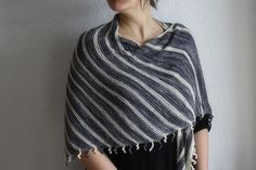 """link to """"A mystery with Joji"""" on Ravelry.  LOVE this shawl!"""