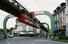 Trenes curiosos: el ferrocarril colgante de Wuppertal | treneando