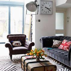 Vintage Chester sofa. Me gusta más con el asiento liso, pero sin almohadones. Es ideal en cuero viejo