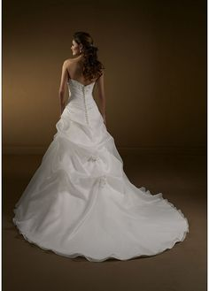 Stunning A-line Organza Satin & Tulle Strapless Wedding Dress