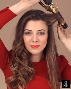 How to Get Lillian Babaian's Signature Curls #beautytutorial #makeuptutorial #curlinghair #curlhair Curled Hairstyles, Trendy Hairstyles, Wedding Hairstyles, Hair Upstyles, Colored Curly Hair, How To Curl Your Hair, Hair Videos, Hair Looks, Hair Inspiration