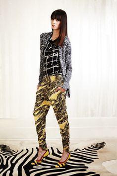 Kelly Wearstler.... she may be my new fav designer. loving her mixed prints