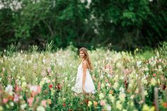 This Naples Florida senior photoshoot took place at the most beautiful location in Naples. Farmer Mikes U Pick is such an awesome spot. I mean com'n who can say no to a flower field! We took some ridiculously stunning photos and bought some fresh produce for dinner. Two things in one, I like…