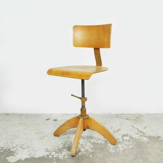 Schreibtischstuhl holz  Vintage Drehstuhl Stoll / Alter Schreibtisch Stuhl Holz ...
