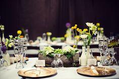 montaje de mesa en boda rústica