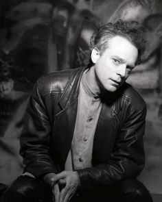 Brad Dourif. The king of brilliant Character actors. I have believed every role he's ever done, from Cukoo's Nest to Deadwood and Lord of the Rings. One of my favorites was his guest role on The X-Files.