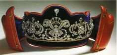Tiara  attributed to Archduchess Maria Annunciata of Austria (13 July 1876 - 8 April 1961) - daughter of Archduke Karl Ludwig of Austria and his third wife Infanta Maria Theresa of Portugal. She became Abbess of the Theresia Convent in the Hradschin, Prague.