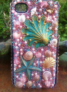 Stunning Pink Beach themed iPhone 4/4s Case