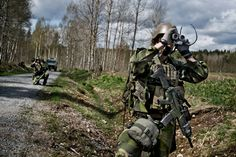Swedish Navy EOD during the SWEDEC EOD-exercise 2015. [2048x1363]