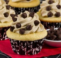 Cupcakes with Chocolate Chip Cookie Dough Frosting - If you love the icing on the cupcake more than the cupcake itself, here's your recipe. Moist vanilla #cupcakes topped with chocolate chip cookie dough icing. #recipe #homemadeholidays