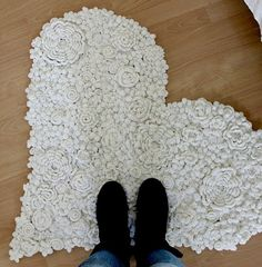 Crocheted flower rug....love! FleaingFrance Brocante Society