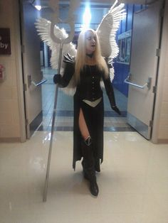 Super cool Magic: the Gathering Avacyn cosplay