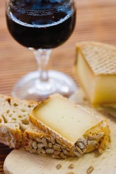 Merlot Wine and cheese