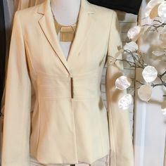 Calvin Klein Blazer Elegant blazer in perfect condition, shell is rayon and lining polyester and spandex Calvin Klein Jackets & Coats Blazers