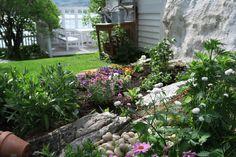 Tips om planting, beskrivelse av noen stauder, samt ideer til dekor som skaper frodighet i steinbedet. Diy Wreath, Wreaths, Planting, Gardening, Christmas, Trapper, Google, Ideas, Patio