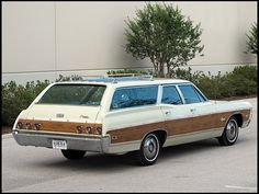 Classic Car News Pics And Videos From Around The World Chevrolet Caprice, Chevrolet Chevelle, Classic Trucks, Classic Cars, Classic Auto, Station Wagon Cars, Woody Wagon, Car Wheels, Wagon Wheels