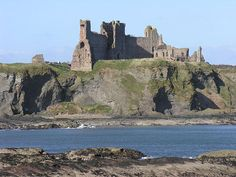 Tantallon Castle, Scotland, viewed from the South East.  From Undiscovered Scotland: The Ultimate Online Guide