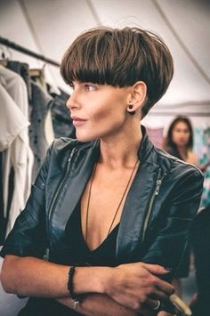 Most current Free Extra short bob on dark hair, strong mushroom . Suggestions Who invented the Bob hairstyle? Bob has b : Most current Free Extra short bob on dark hair, s Short Wedge Haircut, Short Wedge Hairstyles, Short Hairstyles For Women, Straight Hairstyles, Hairstyle Short, Undercut Hairstyle, Hairstyles 2016, Short Pixie, Short Hair Cuts