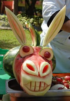 1000 images about arty food on pinterest watermelon carving fruit carvings and food art - Sculpture sur fruit ...