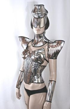 futuristic ponytail mohawk cyborg goggles sci fi by divamp Story Book Costumes, Daft Punk, Cyborg Costume, Space Costumes, Space Fashion, Burlesque Costumes, Cyberpunk Fashion, Bare Foot Sandals, Couture