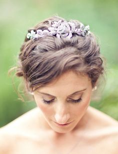 Wedding hairstyle idea; Featured Photographer: Mi Belle Photography