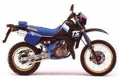 SUZUKI This bike had a history from and was superseded by Suzuki's very own legendary in 1990 Suzuki Motos, Suzuki Cafe Racer, Dual Sport, Vintage Bikes, Dirt Bikes, Scrambler, Cool Bikes, Old And New, Motorbikes