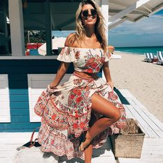 Born in Miami, Florida. Live in Sydney, Australia. ♛Peace,☾Laughter,♡Love. Twitter- sophiavantuno Snapchat - sophiavantuno1 Check my blog out!