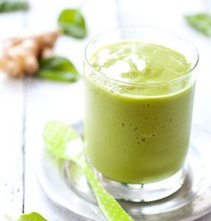 Ginger and spinach green smoothie! omm nom nom. #ginger #peach #spinach #green #smoothie #healthysmoothie