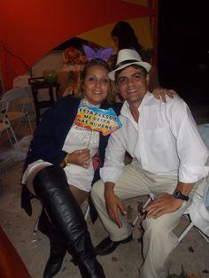 Aniversário da Ana Julia. Eu e minha esposa.
