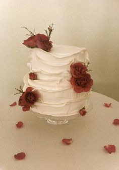 Wedding Cake Roses, Rose Wedding, Wedding Cakes, Desserts, Projects, Log Projects, Deserts, Wedding Cake, Cake Wedding
