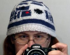 Great Geeky R2D2 Beanie! - KNITTING