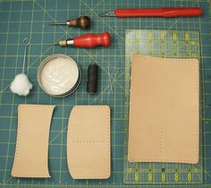 Leather passport holder DIY courtesy of poppytalk Passport Holder Diy, Diy Leather Passport Holder, Leather Passport Wallet, Leather Diy Crafts, Leather Projects, Diy Wallet, Leather Pattern, Leather Accessories, Diy Accessories