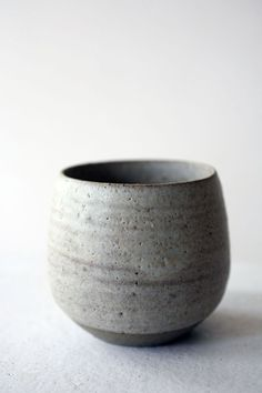 stoneware gray bowl / cup simplicity brings soft shapes to this bowl - - Ceramic Tableware, Ceramic Clay, Ceramic Bowls, Ceramic Pottery, Slab Pottery, Pottery Vase, Porcelain Ceramic, Japanese Ceramics, Japanese Pottery