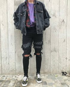50 Trending Outfit Ideas With Vans You Will Love outfit ideas with vans, Mode&Lifestyle Fashion Mode, Aesthetic Fashion, Aesthetic Clothes, Look Fashion, Fashion Trends, Mens Grunge Fashion, Fashion Sites, Fashion Advice, Grunge Outfits