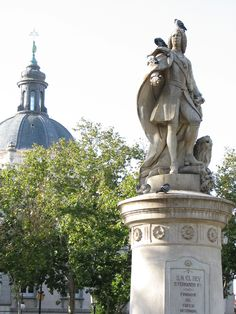 Plaza de La Villa de Paris, Madrid