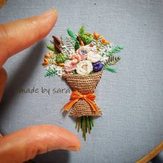 #embroiderydesign #embroideryhoop #needleart #nakış #stumpwork #handcraft #handmade #flower #stitch #dmc #dmcthreads #artwork #floss #beautiful #howlovely #입체자수 #꽃다발 #미니 #손자수 #꽃자수 #순천프랑스자수 #도안작업 #집스타그램 #프랑스자수