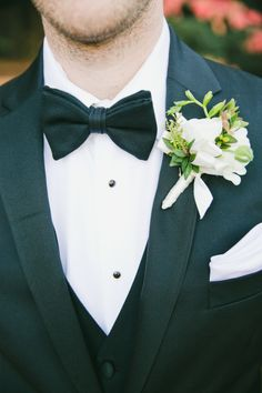 Classic boutonniere: http://www.stylemepretty.com/little-black-book-blog/2015/03/31/elegant-saint-helena-vineyard-wedding/ | Photography: Onelove - http://www.onelove-photo.com/