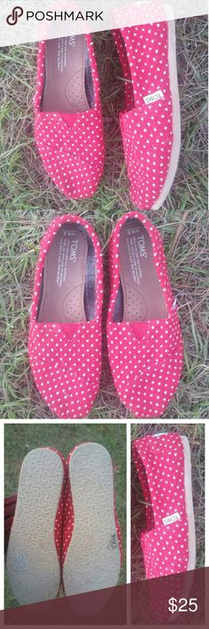 TOM'S Red with White Polka Dots Shoes 6.5 EUC TOM'S Red with White Polka Dots Shoes 6.5 EUC TOMS Shoes Flats & Loafers