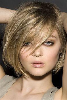Прическа средней длины для тонких волос