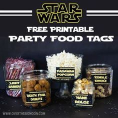 Star Wars Party Ideas and FREEBIES Add to your snacks these Printable Star Wars Food Labels and Light Sabers, Jedis, Droids and more. For Star Wars lover, we have put together a collection of exciting Star Wars printables, foods and other Star Wars party Bd Star Wars, Tema Star Wars, Star Wars Food, Star Wars Themed Food, Star Wars Cake, Star Wars Party Food Snacks, Star Food, Birthday Star, 6th Birthday Parties