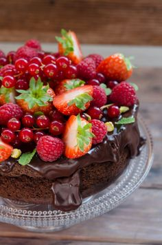 Low Carb Chocolate Cake, Sugar Free Desserts, Healthy Sweets, Healthy Nutrition, Raw Vegan, Cheesecake, Deserts, Good Food, Food And Drink