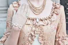 Dress: Mary Magdalene Gloves, ring, brooch, and pearls: vintage             Photo taken by Mlle-Marianne